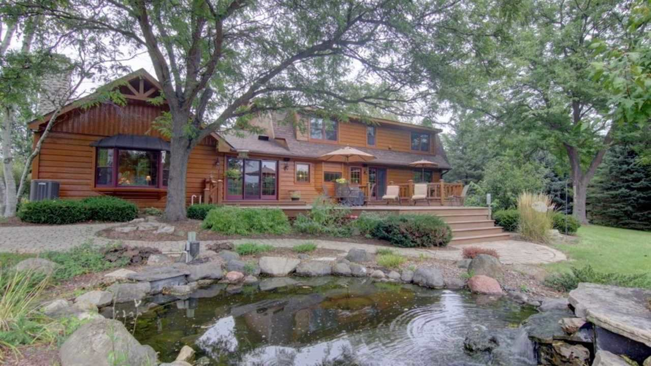 855 Canal Rd, Marshall, WI