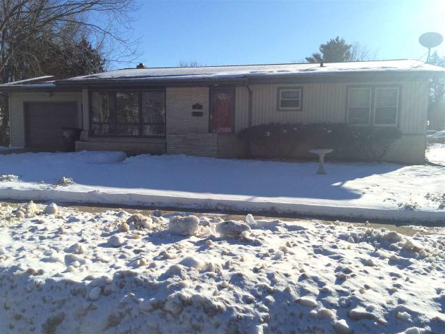 1038 3rd St, Wisconsin Dells WI 53965