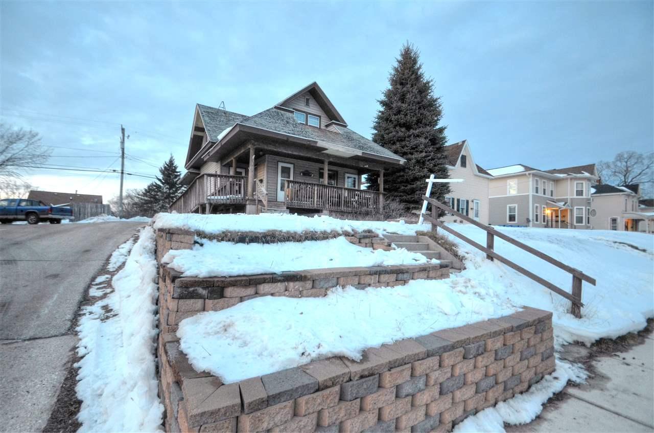 315 E Cook St, Portage, WI