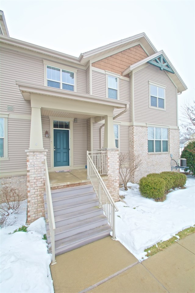 326 E Hill Pkwy #APT 4, Madison, WI