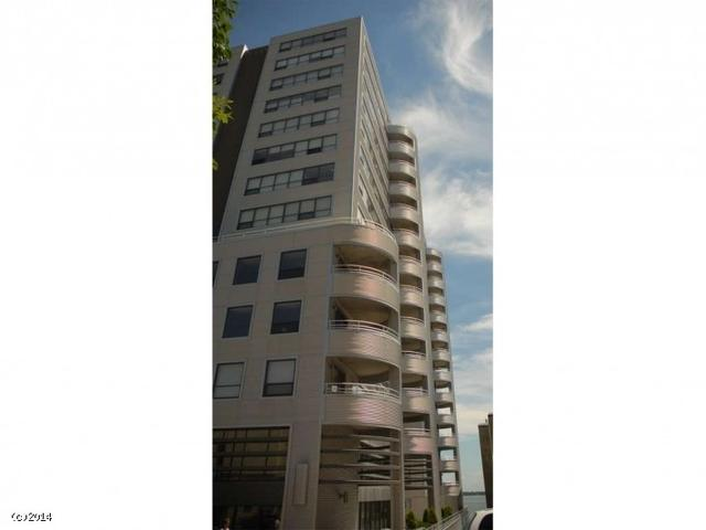 137 E Wilson St #APT 912, Madison WI 53703