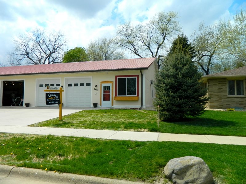 2609 18th Ave, Monroe, WI