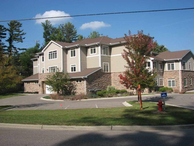 715 Canyon Rd #APT 4, Wisconsin Dells WI 53965