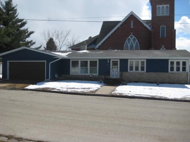 180 W Charles St, Markesan, WI