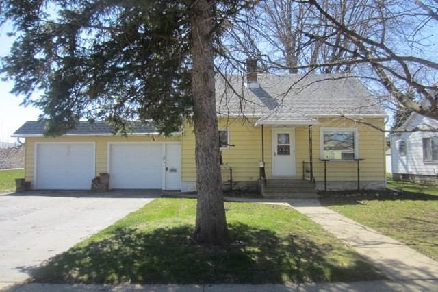 305 E Burnett St, Beaver Dam WI 53916