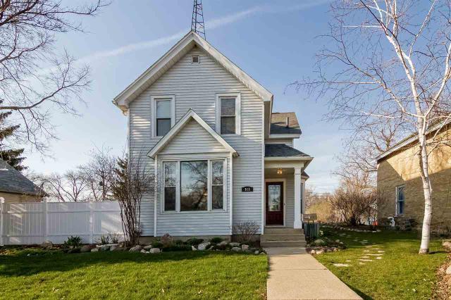 513 W Cook St, Portage WI 53901