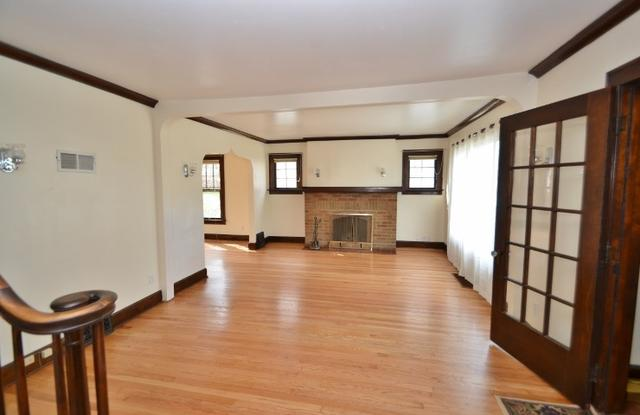 543 S Randall Ave, Madison WI 53715