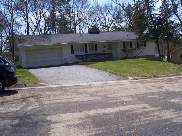 116 Charles St, Portage WI 53901