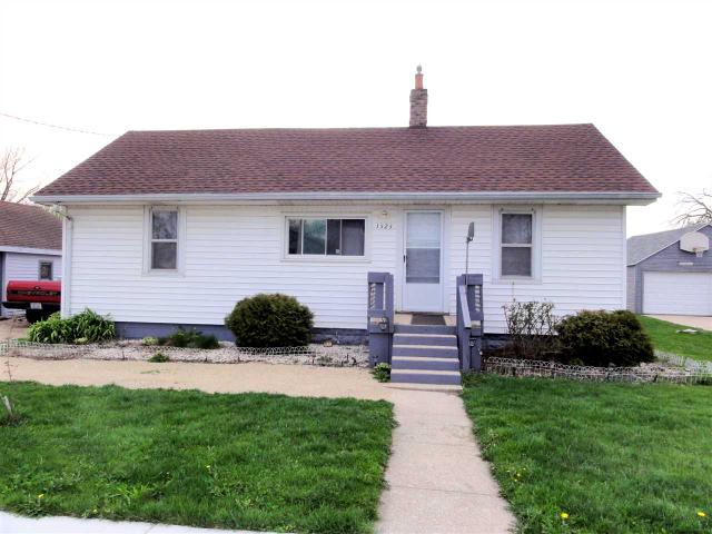 1525 Woodman Rd, Janesville WI 53545