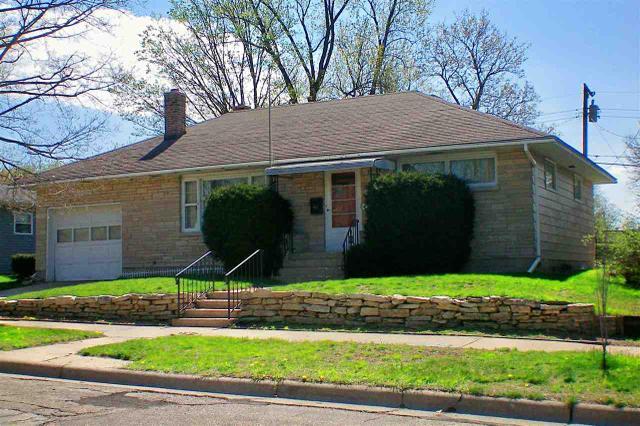422 E Howard St, Portage WI 53901