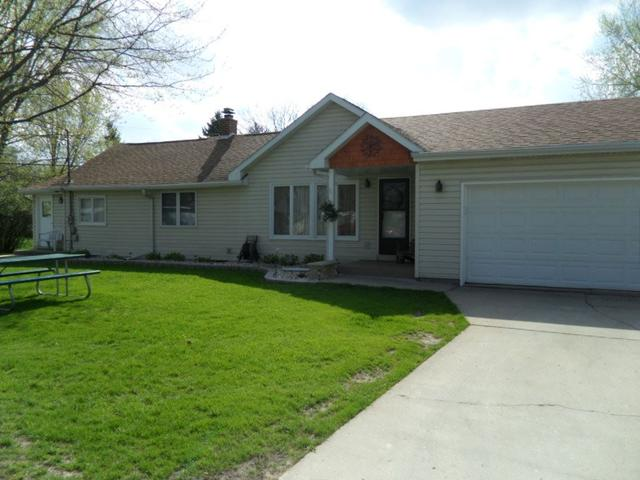 2025 W Memorial Dr, Janesville WI 53548