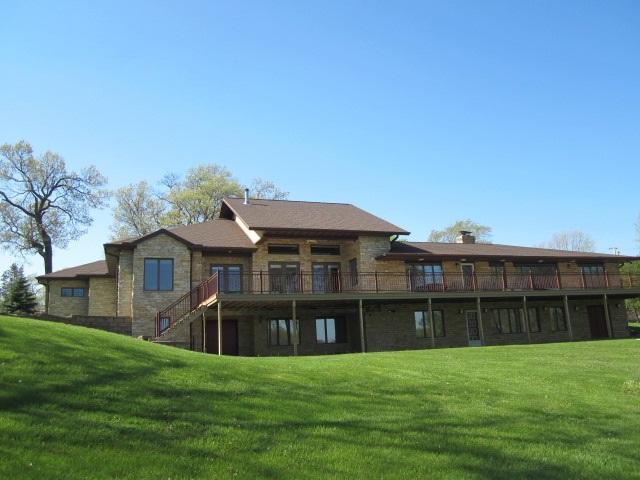 122 Lake Rd Portage, WI 53901