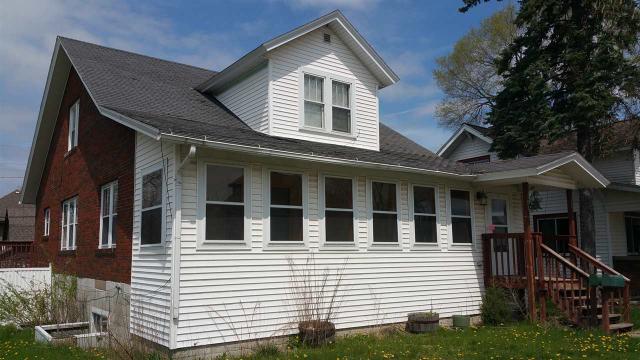 401 E Cook St Portage, WI 53901