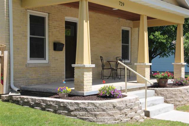 729 W Wisconsin St Portage, WI 53901