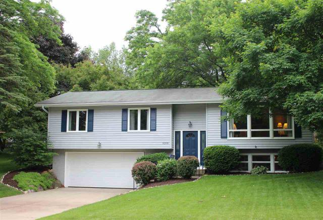 5209 Meadowood Dr Madison, WI 53711
