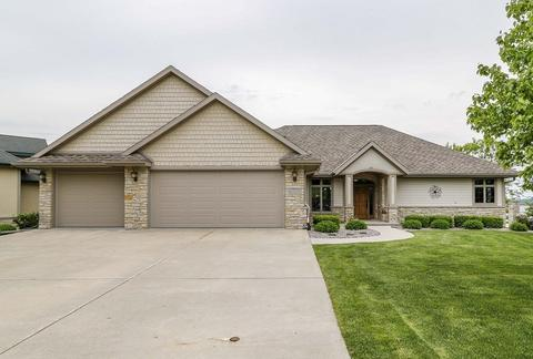 E12227 Water's Edge Ct, Prairie Du Sac, WI 53578