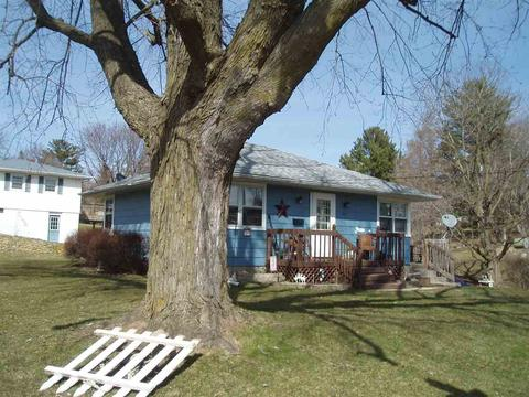 704 E North St, Darlington, WI 53530
