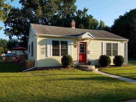 801 W Jefferson St, Stoughton, WI 53589