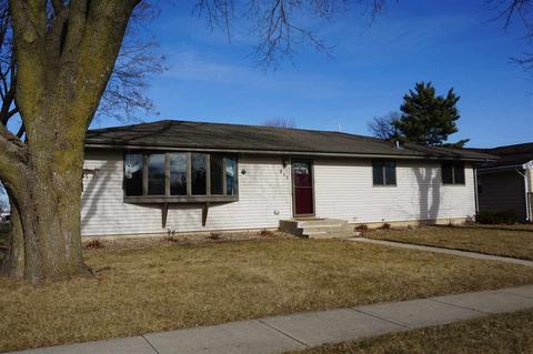 511 5th St, Waunakee, WI (25 Photos) MLS# 1848390 - Movoto Waunakee Remodeling Home Improvements on mobile home remodeling, do it yourself remodeling, exterior home remodeling, landscaping remodeling, bathroom remodeling, inside out remodeling,