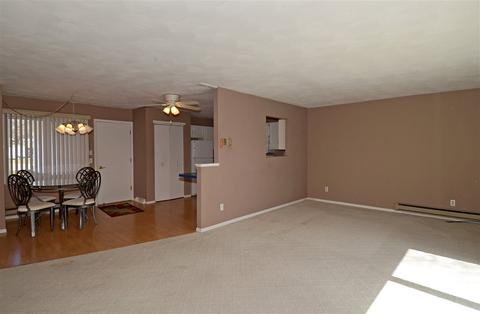 710 11th St, Baraboo, WI (36 Photos) MLS# 1853621 - Movoto