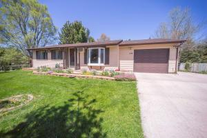 234 Ludwig Ave, Dousman, WI