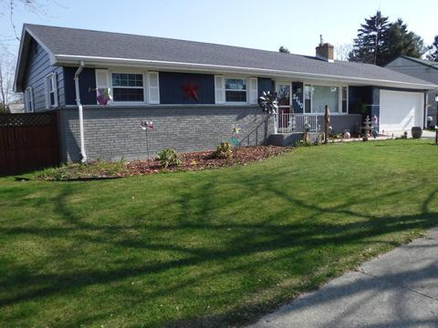 2740 11th St, Two Rivers, WI 54241