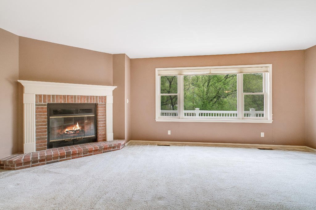 w5419 Boma Road, La Crosse, WI 54601 MLS# 1528609 - Movoto.com : la crosse fireplace : Fireplace Design