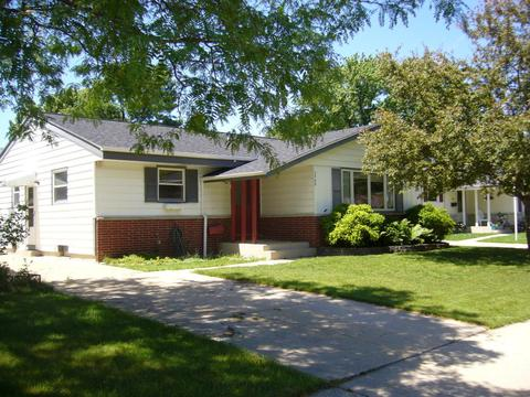 3569 S 95th St, Milwaukee, WI 53228
