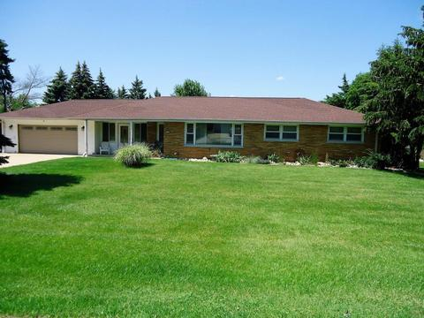 4331 S 83rd St, Greenfield, WI 53220