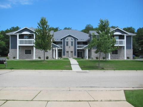 410 W Aspen Dr #10, Oak Creek, WI 53154