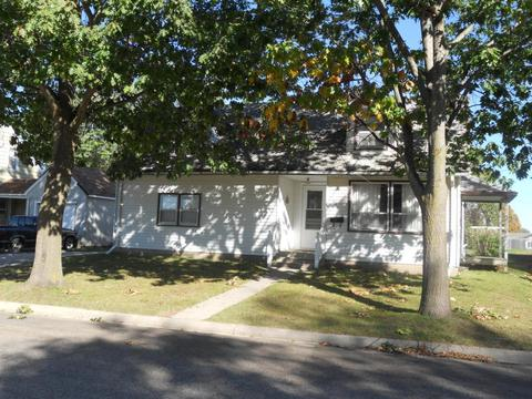 917 E Washington St, Caledonia, MN 55921