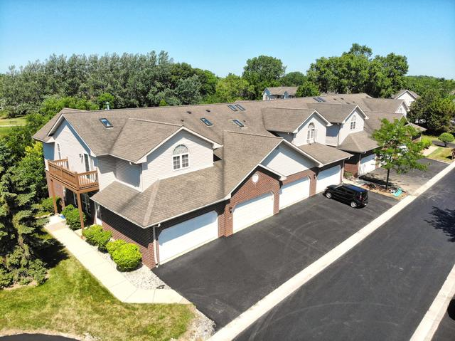 418 Woodfield Cir #1901, Waterford, WI 53185