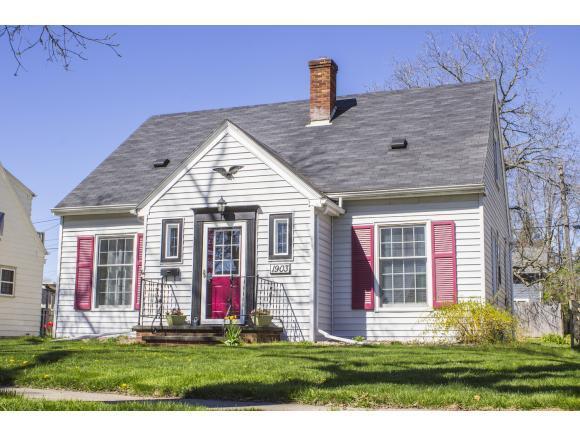 1903 N Harriman St, Appleton WI 54911