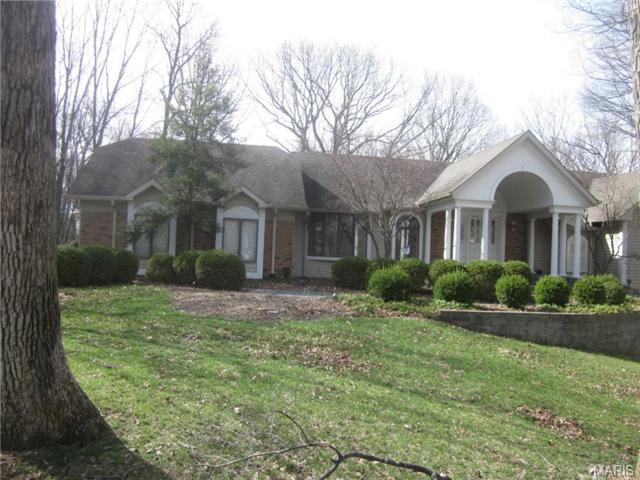 16634 Dresser Hill Dr, Chesterfield, MO 63005