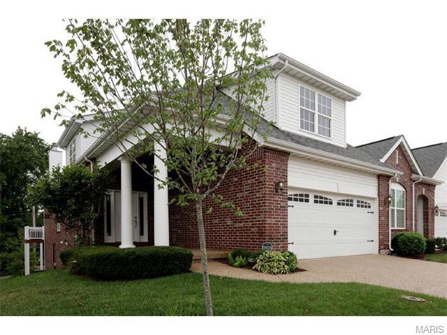 8926 Hilltop Manor Dr, Saint Louis, MO