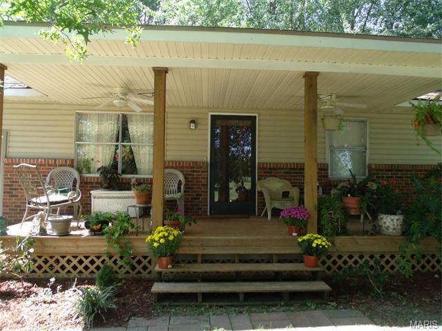 540 Park St, Bourbon MO 65441