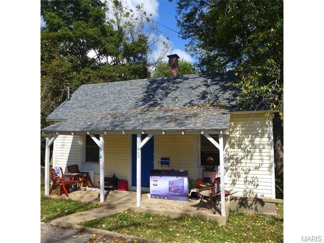 512 E College, Fredericktown MO 63645