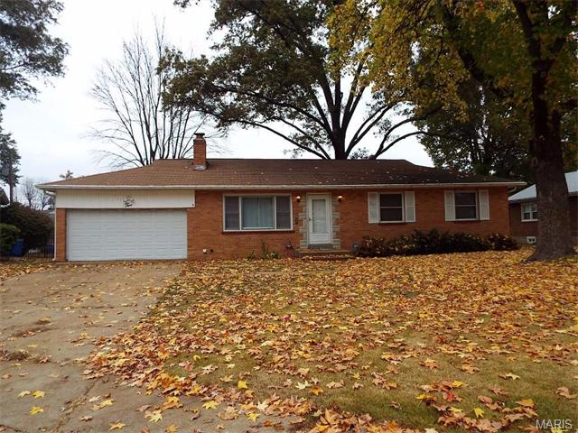 2 Willow Ct, Florissant, MO