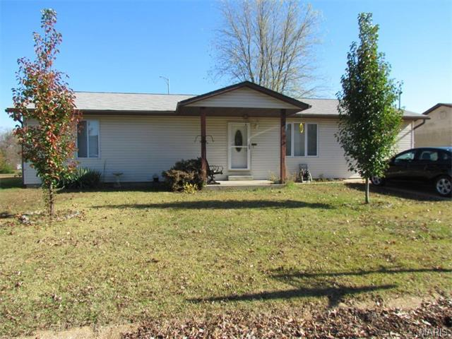 568 Lake Meadow Dr, Sullivan MO 63080