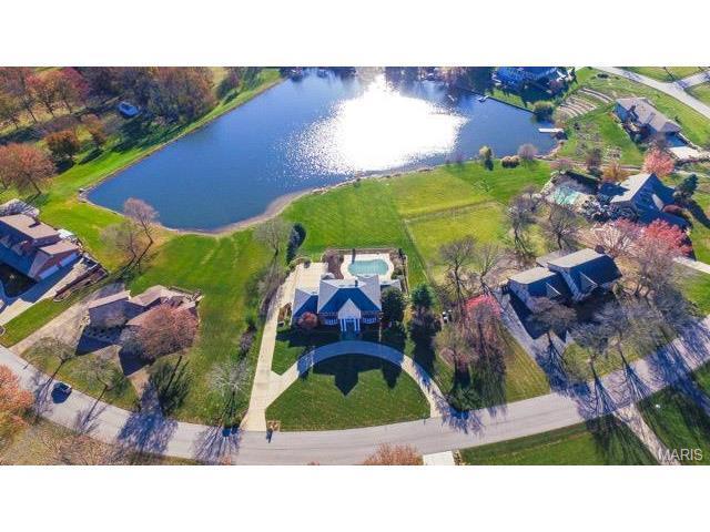 708 Hidden Lake Dr, Saint Peters, MO