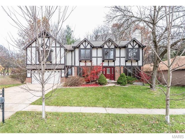 106 Grotto Ct, Florissant, MO