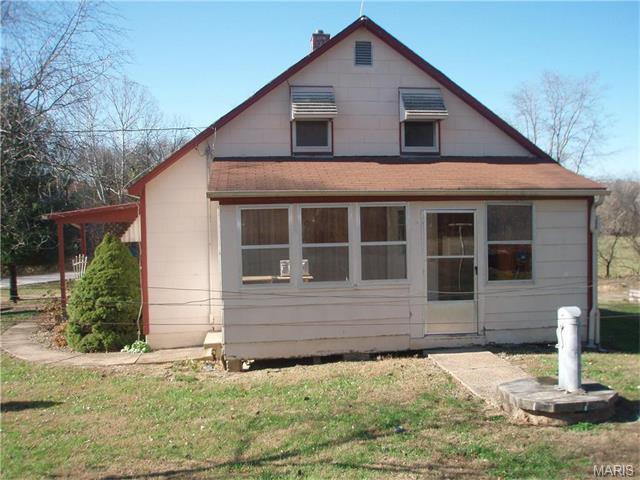 353 Detmold Rd, New Haven, MO