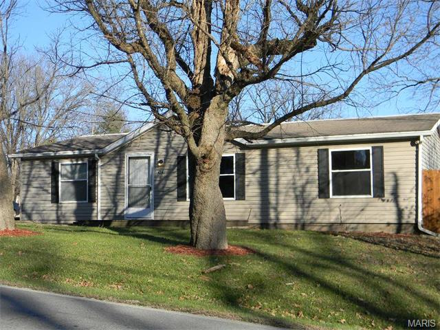 424 Highway M, Villa Ridge, MO