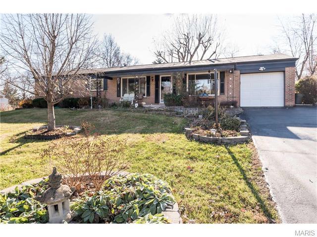 38 Queensbrook Pl, Saint Louis, MO