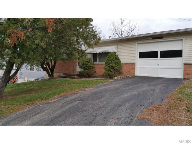 18 Highview Dr, Imperial, MO