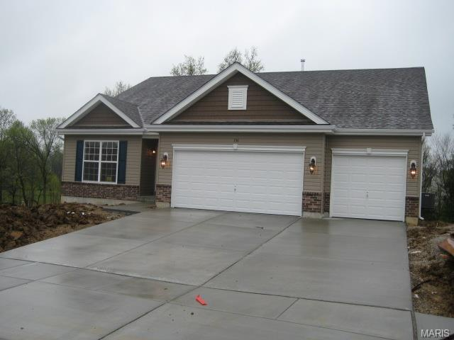 506 Pleasant Breeze Dr, Wentzville, MO