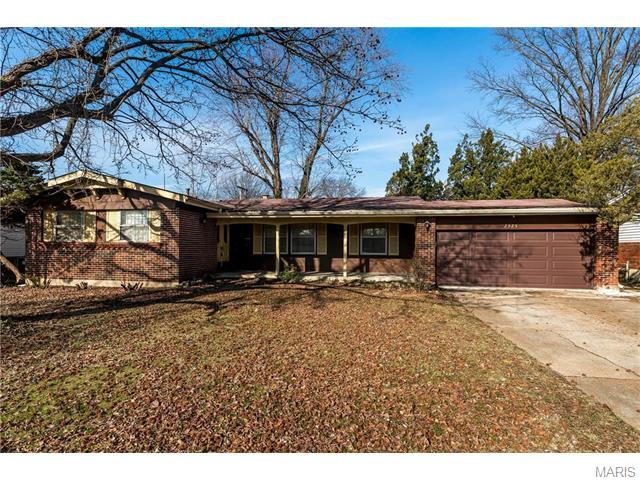 2325 Vorhof Dr, Saint Louis, MO