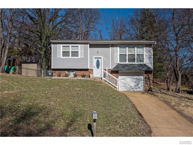 78 Jefflyn Dr, Valley Park, MO