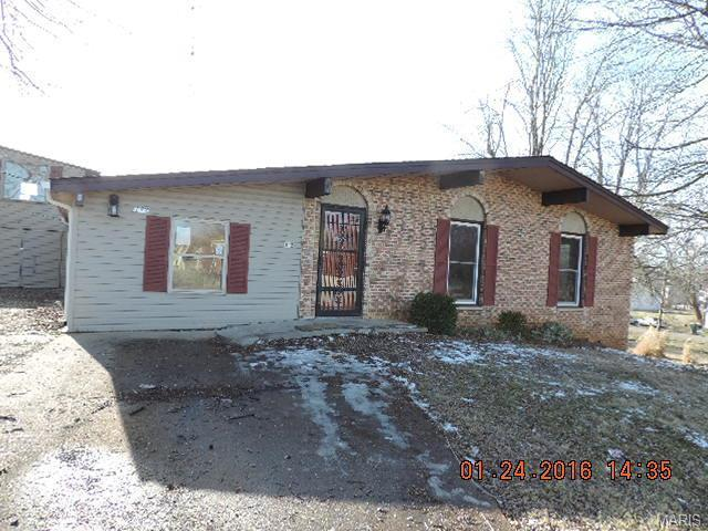 112 W Pacific, Fredericktown MO 63645