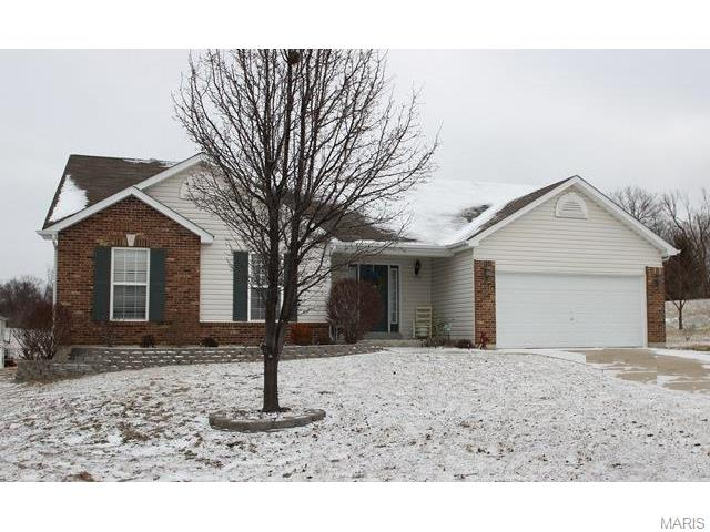 269 Whitetail Crossing Dr, Troy, MO